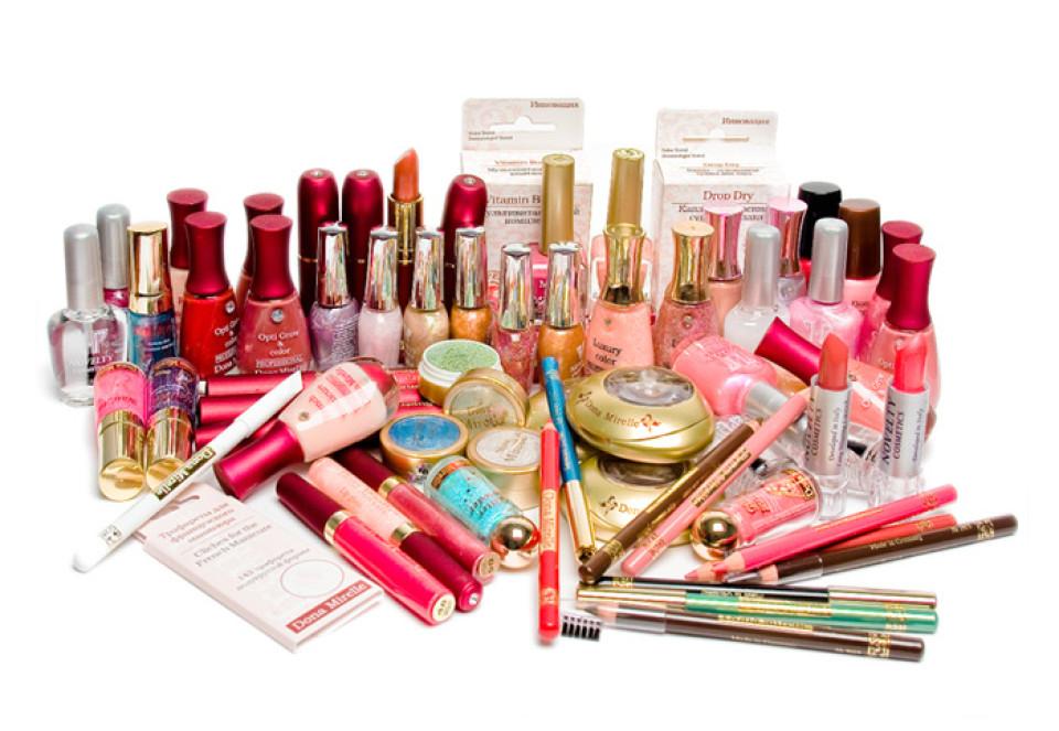 http://potomuchto.net/wp-content/uploads/2016/02/kosmetika-po-uhodu-za-telom-4-960x663_c.jpg