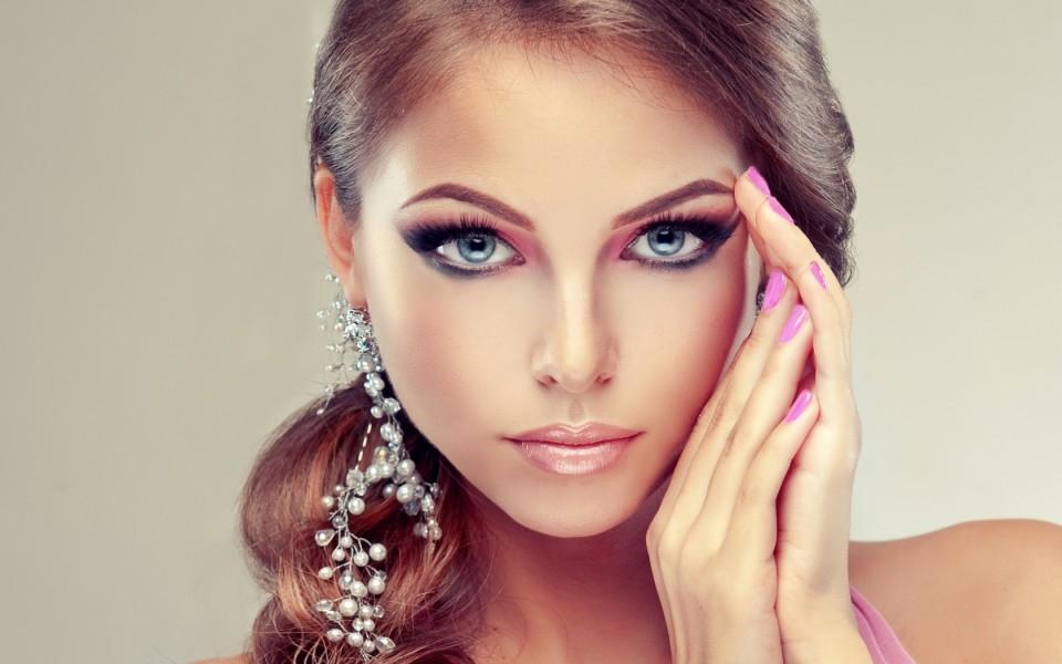 http://potomuchto.net/wp-content/uploads/2016/02/kosmetika_2-960x600_c.jpg